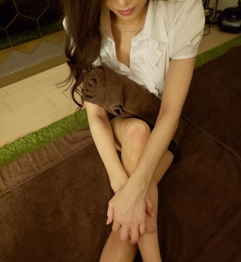 大阪の日本橋のメンズエステ店美姉のセラピスト如月さんの写真